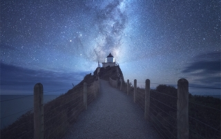 milky way over nugget point 5