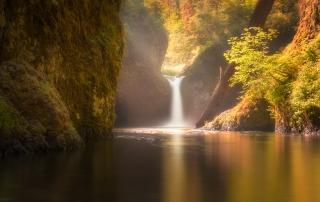 Golden Punchbowl Falls Oregon
