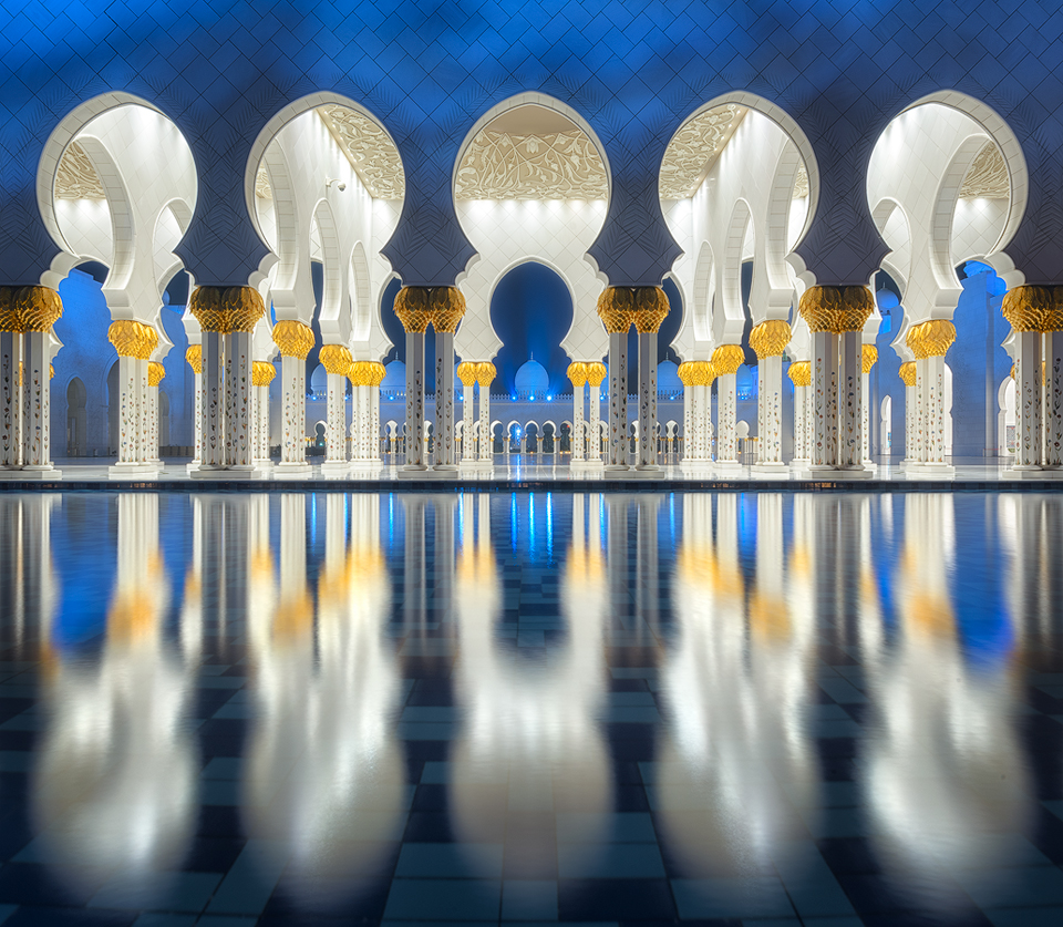 Reflections-at-Sheik-Zayed-Grand-Mosque2
