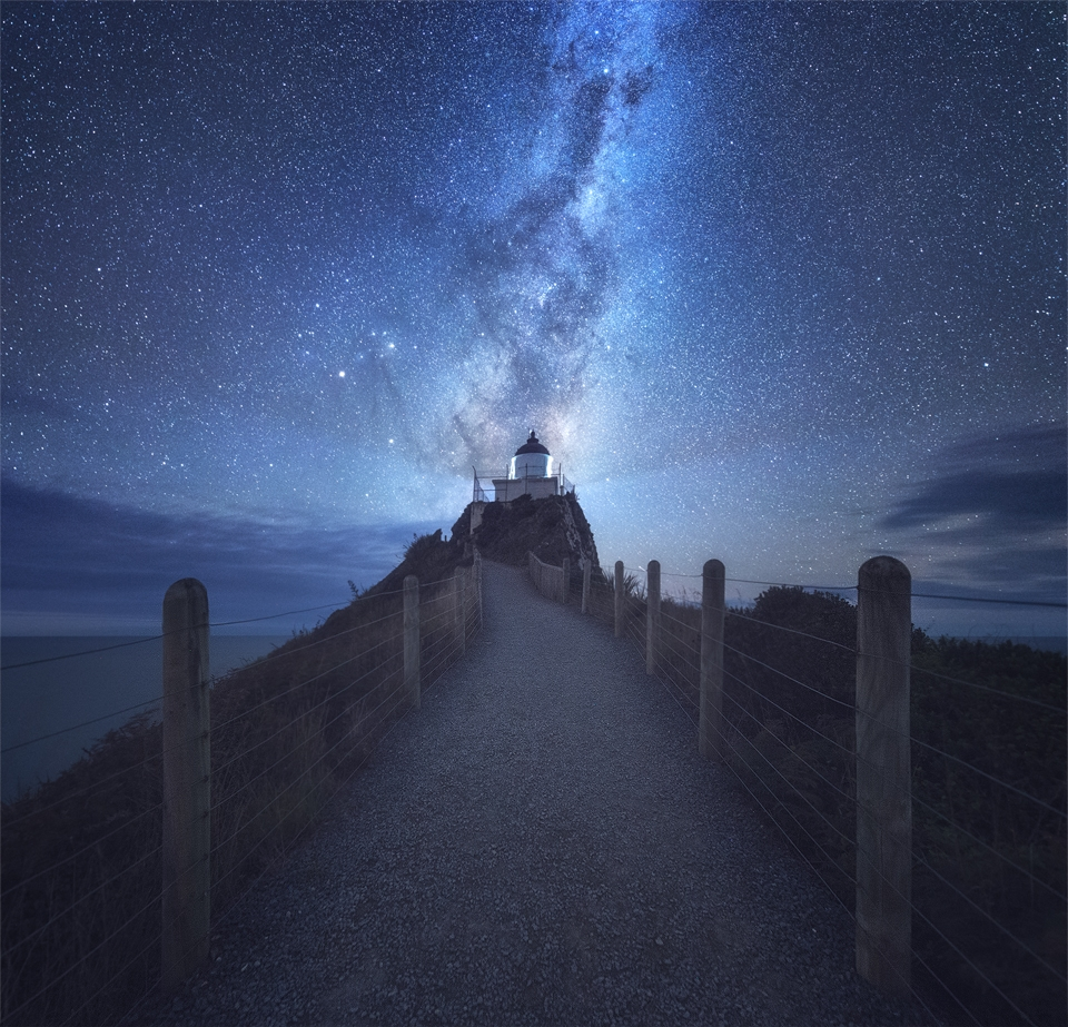 milky way over nugget point 4